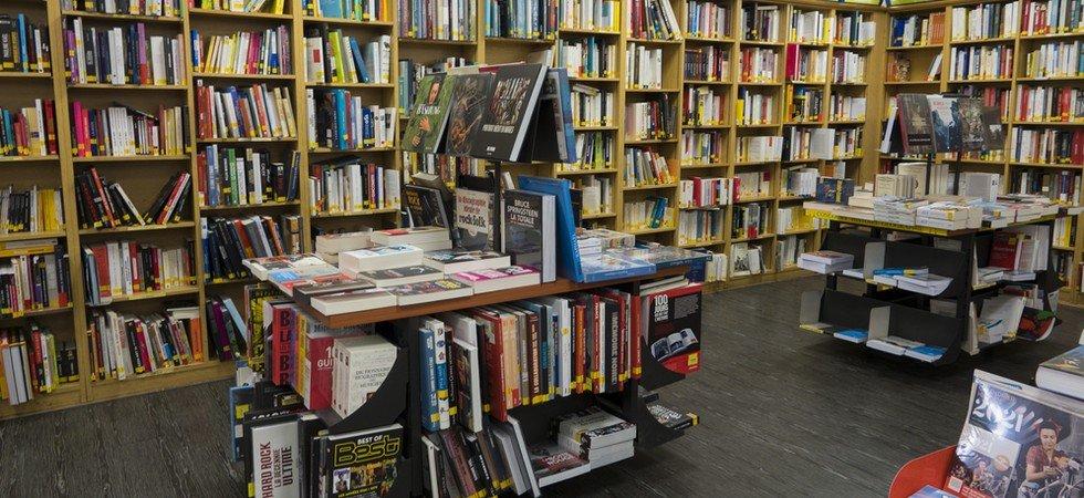 Commerces non-essentiels : des écrivains proposent de payer les amendes des librairies qui restent ouvertes