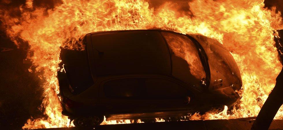 Nouvel An : plus de 1.000 voitures brûlées pendant la nuit du réveillon