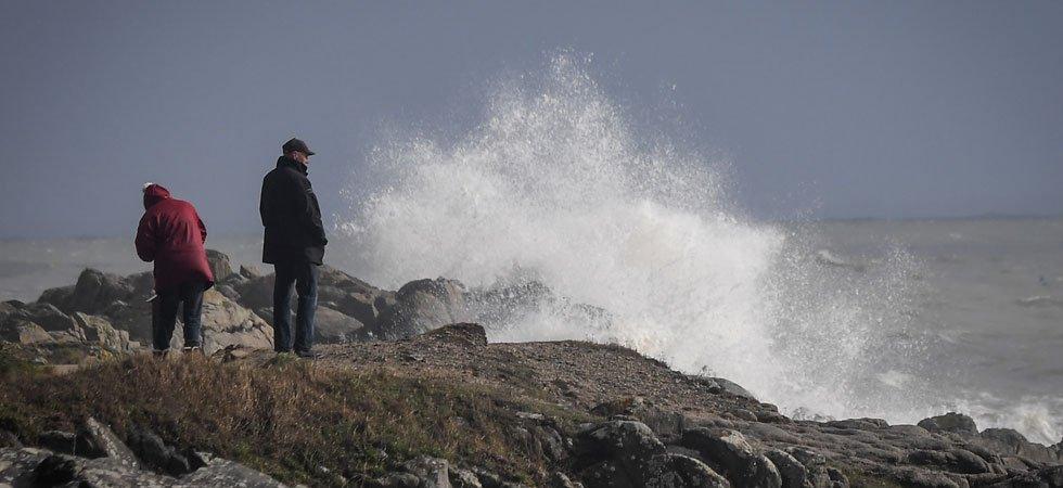 Météo : 3 départements en alerte au vent violent