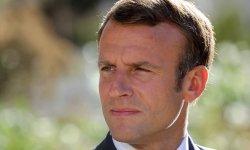 Popularité : Emmanuel Macron repart légèrement à la baisse