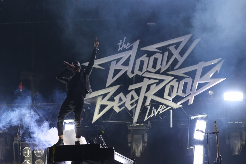 "The Bloody Beetroots - ""Out of Sight"" (2013)"