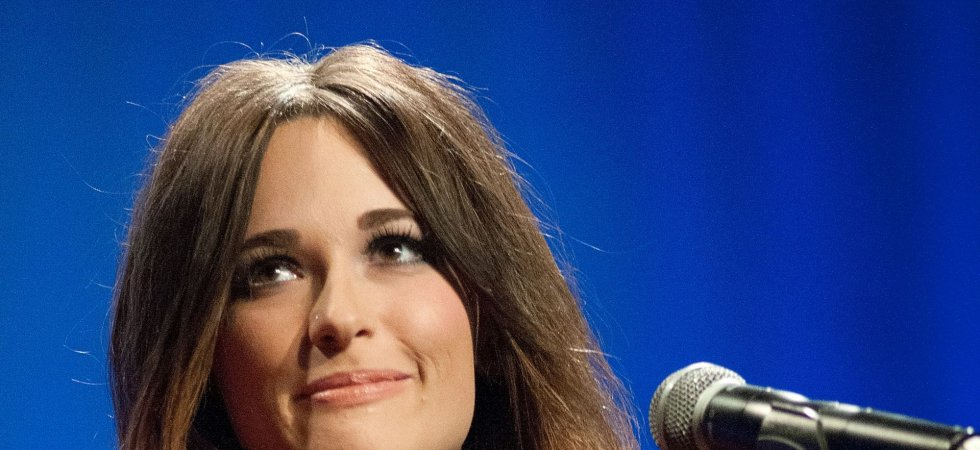 "Kacey Musgraves rajeunit la country avec ""Pageant Material"""
