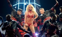 "Britney Spears : ""Glory"" sort le 26 août"