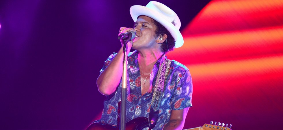 "Bruno Mars fait son grand retour avec le single ""24K Magic"""