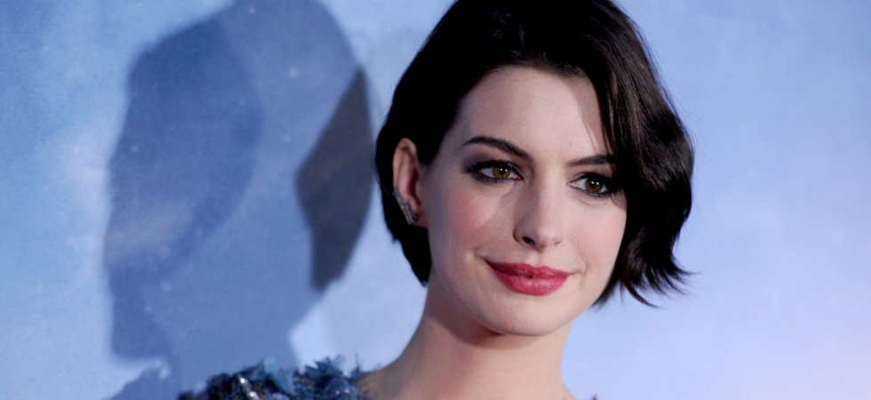 "Anne Hathaway se paye Miley Cyrus et son clip de ""Wrecking Ball"""