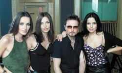 The Corrs dévoile Bring On The Night